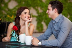 3 ponturi pentru o conversatie de nota 10 la prima intalnire