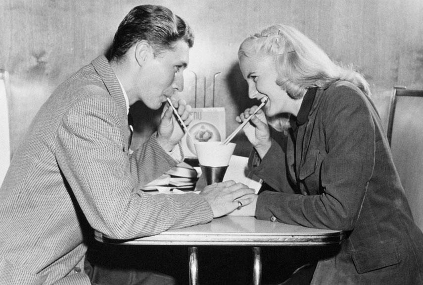 4 practici invechite de dating care ar trebui readuse la viata